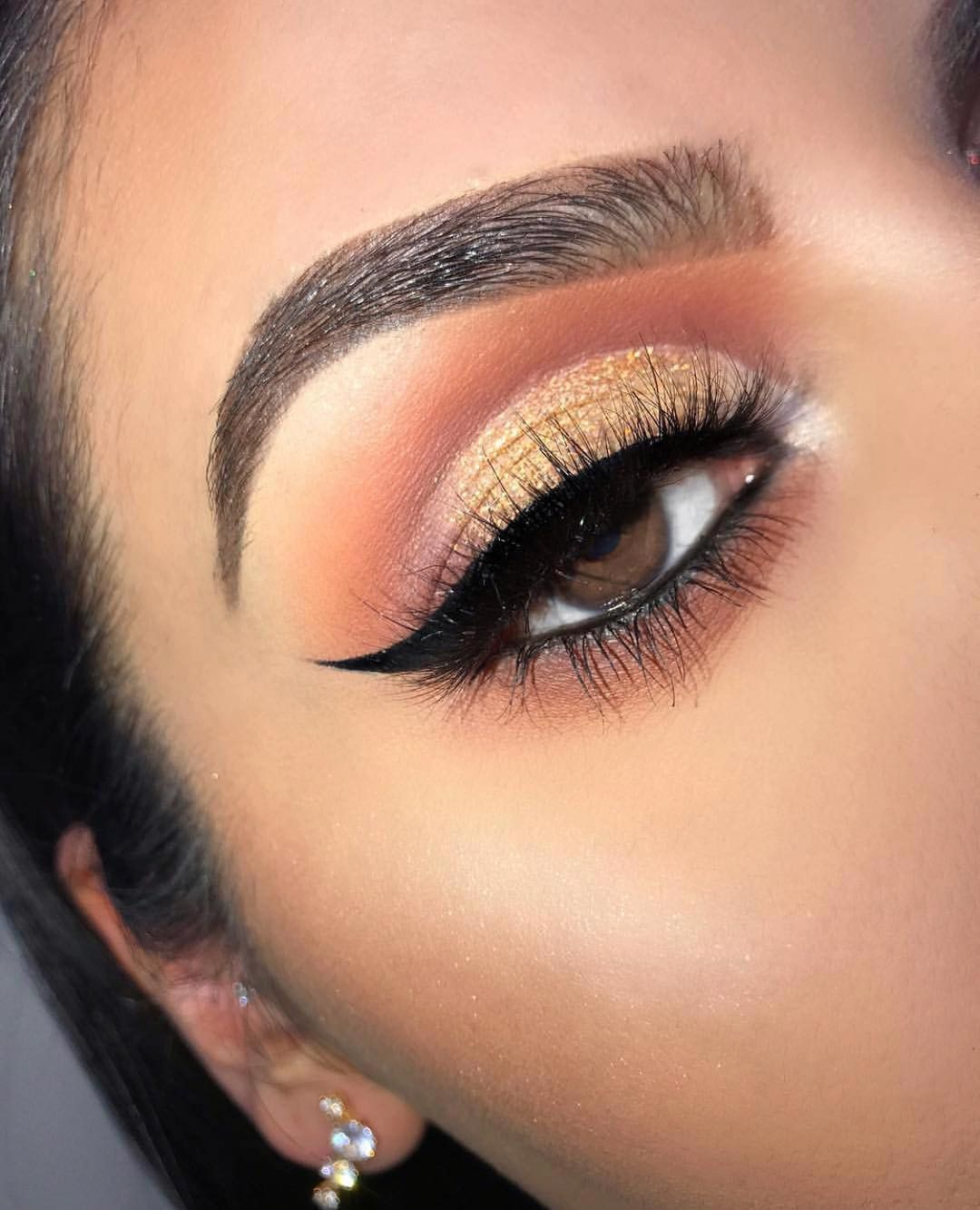 Pin by Jasmine on Slight Beat | Gold makeup looks, Brown