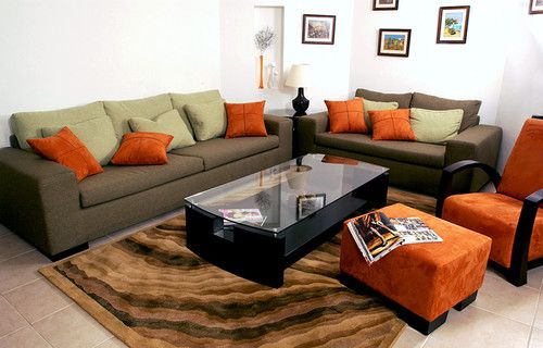 Bold Colors Easily Stand Out Against The Softer Tones Of The Living    Wohnzimmer Bilder Fr