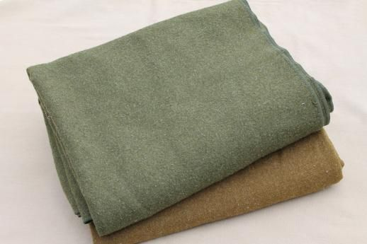 Old fashioned wool blankets 38
