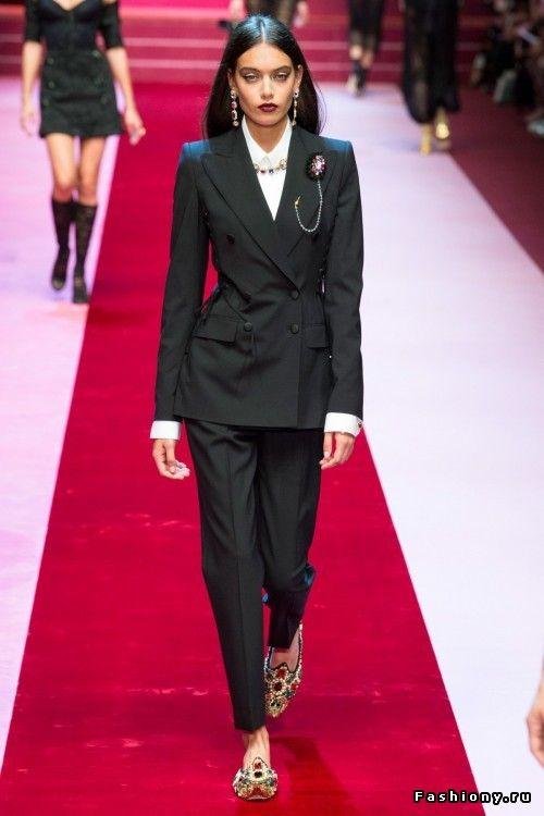 Dolce   Gabbana Весна-Лето 2018 Недели Моды В Милане, Высокая Мода, Странная 87da3c4f75d