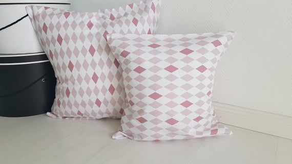 Pink pillow cover , diamond pattern pink , 40x40 cm, pastel colors pastel