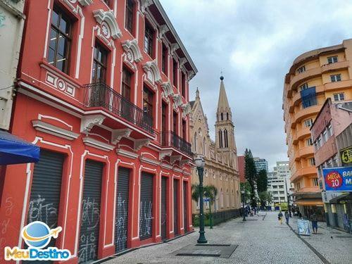 Roteiro a pé pelo Centro Histórico de CuritibaPR Hoteis