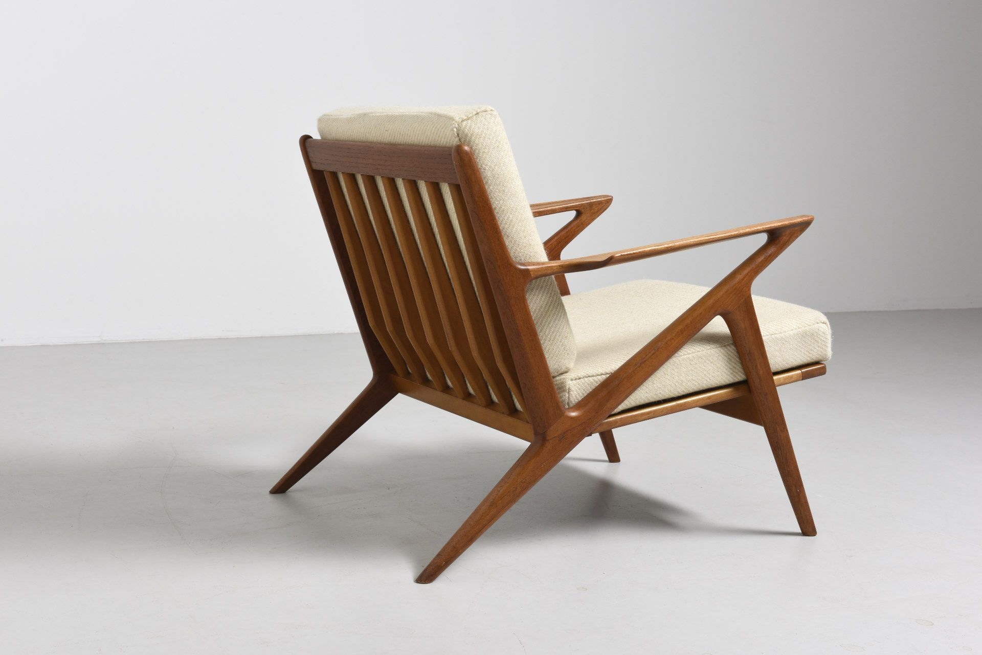 Z-CHAIR by POUL JENSEN -- Iconic easy chair in teak with the