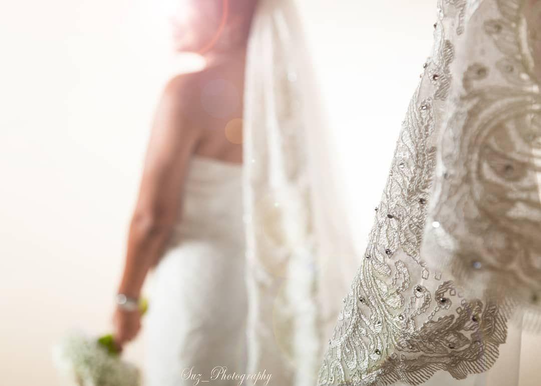 يا بدايات المحبة يا نهايات الوله كيف قلبي ما احبه وانتي قلبك صار له شكرا للعروس لسماحها بعرض الصورة One Shoulder Wedding Dress Wedding Dresses Dresses