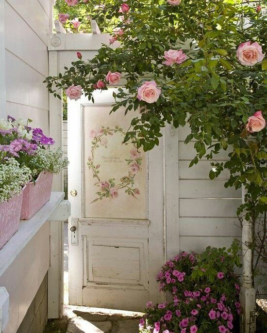 pingl par gene mercet sur shabby chic jardins d co exterieur jardin et style campagnard. Black Bedroom Furniture Sets. Home Design Ideas