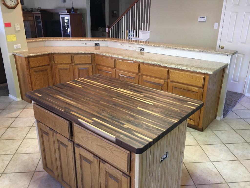 1 1 2 x 36 x 6 lft builder walnut island top williamsburg butcher block co lumber. Black Bedroom Furniture Sets. Home Design Ideas