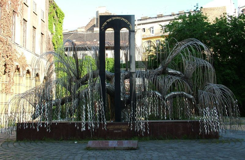 AMAZING - Tree of Life Holocaust Memorial in Budapest (each leaf of the tree a victim's name)