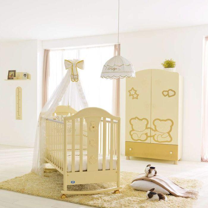 Inspirational Babyzimmer einrichten gelbe M bel und wei e W nde Babybett mit Himmel und Rollen sch n
