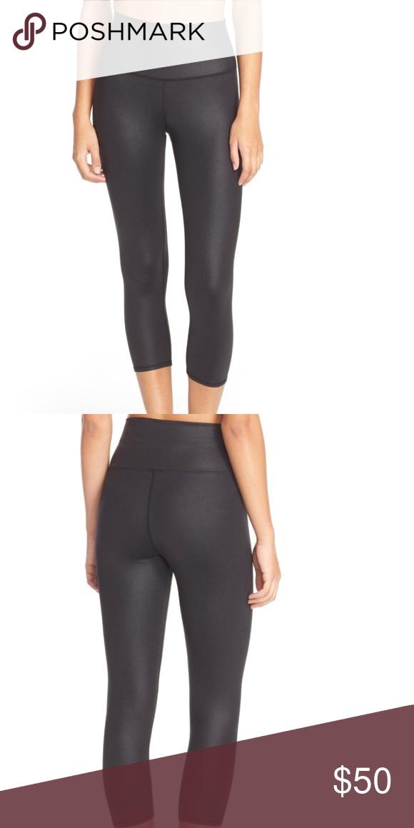 6196640c09 ALO Yoga High Waist Airbrush Capri Leggings Small New store display ALO  Yoga Pants Leggings