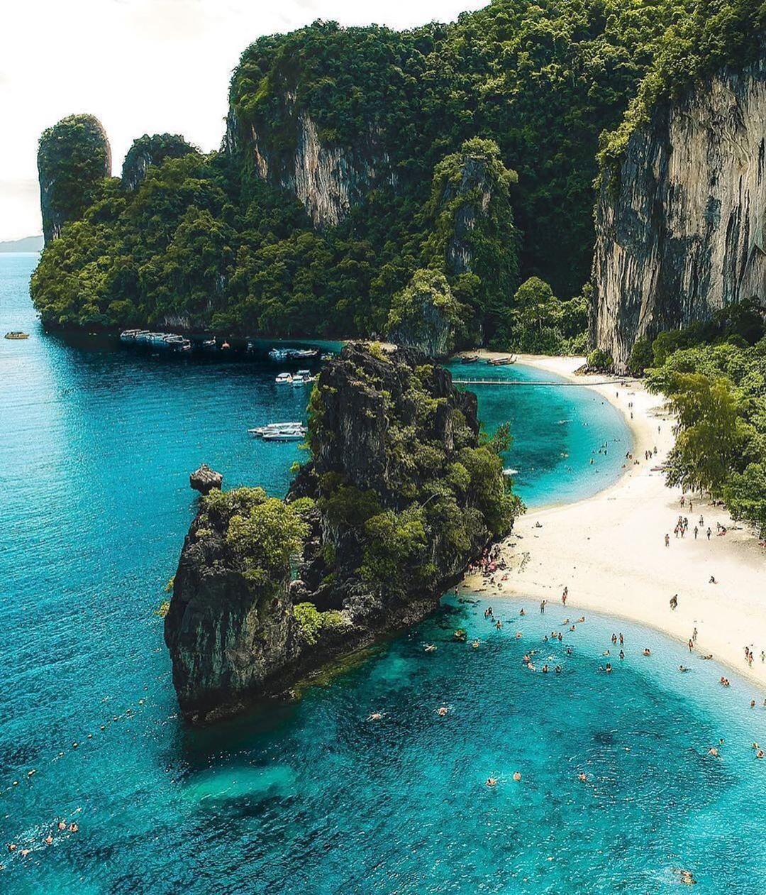 Travellingthroughtheworld Let S Book An Airbnb With Discounts Just Click For It Voyage Travel Airbnb Holidays Boo Krabi Thailande Voyage Et Voyages A L Etranger