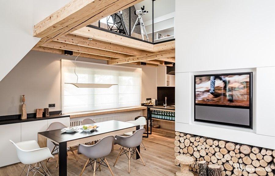 Nietuzinkowy Salon Z Kuchnią I Antresolą Architektura