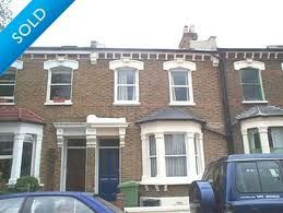 Murder suspect Margaret Wilks rents a room in a house in East Dulwich (To All Appearance, Dead)