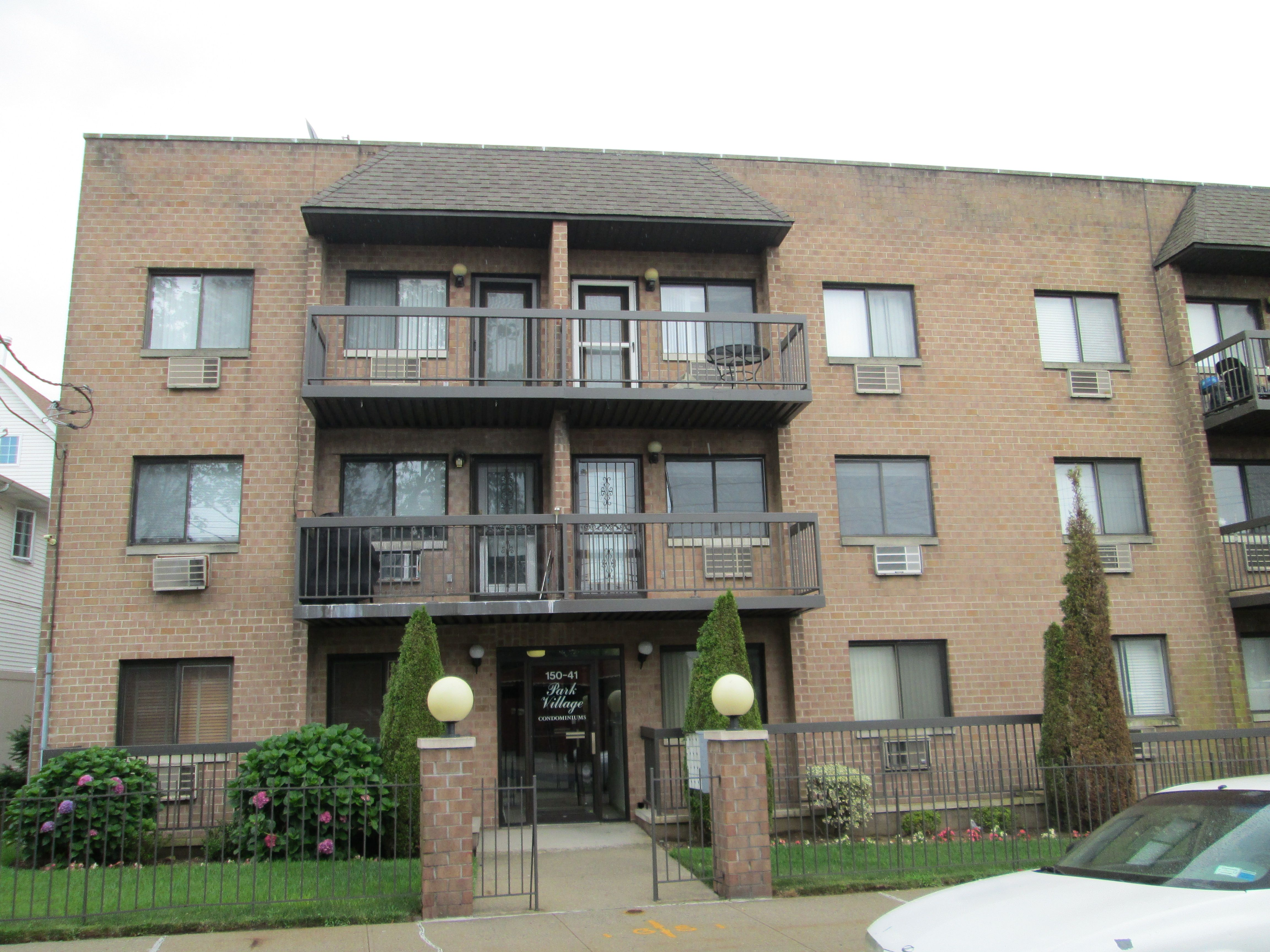 1 900 Apartment For Rent 2 Beds 2 Full Bath E Elmhurst Ny 11370 Condos For Rent Outdoor Balcony Apartments For Rent
