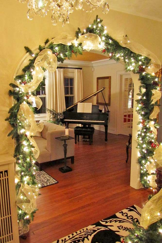 30 Ways To Decorate With Spectacular Christmas Garland Christmas Lights Garland Indoor