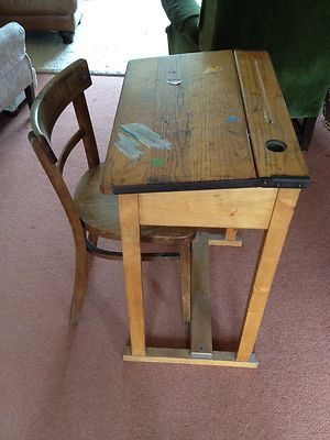 Traditional Old Style Wooden School Desk And Chair