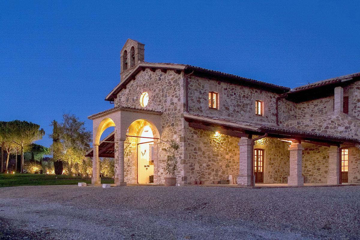 The fascinating wedding venue... Decugnano dei Barbi Wine