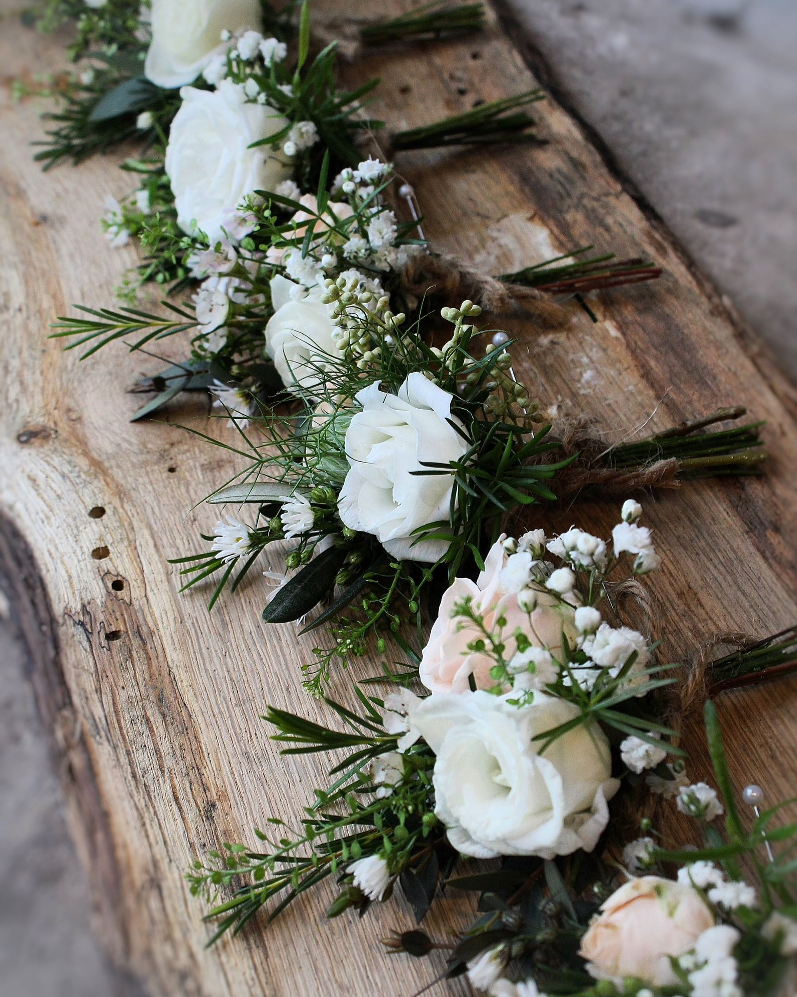 Gents Buttonholes Rustic Style With Lisianthus Jana Spray Rose