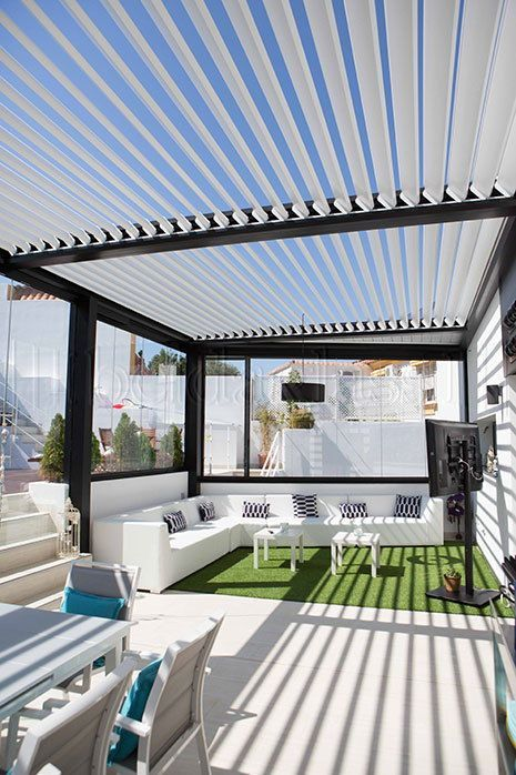 Galer a de fotos p rgolas bioclim ticas terrazas - Pergola terraza atico ...