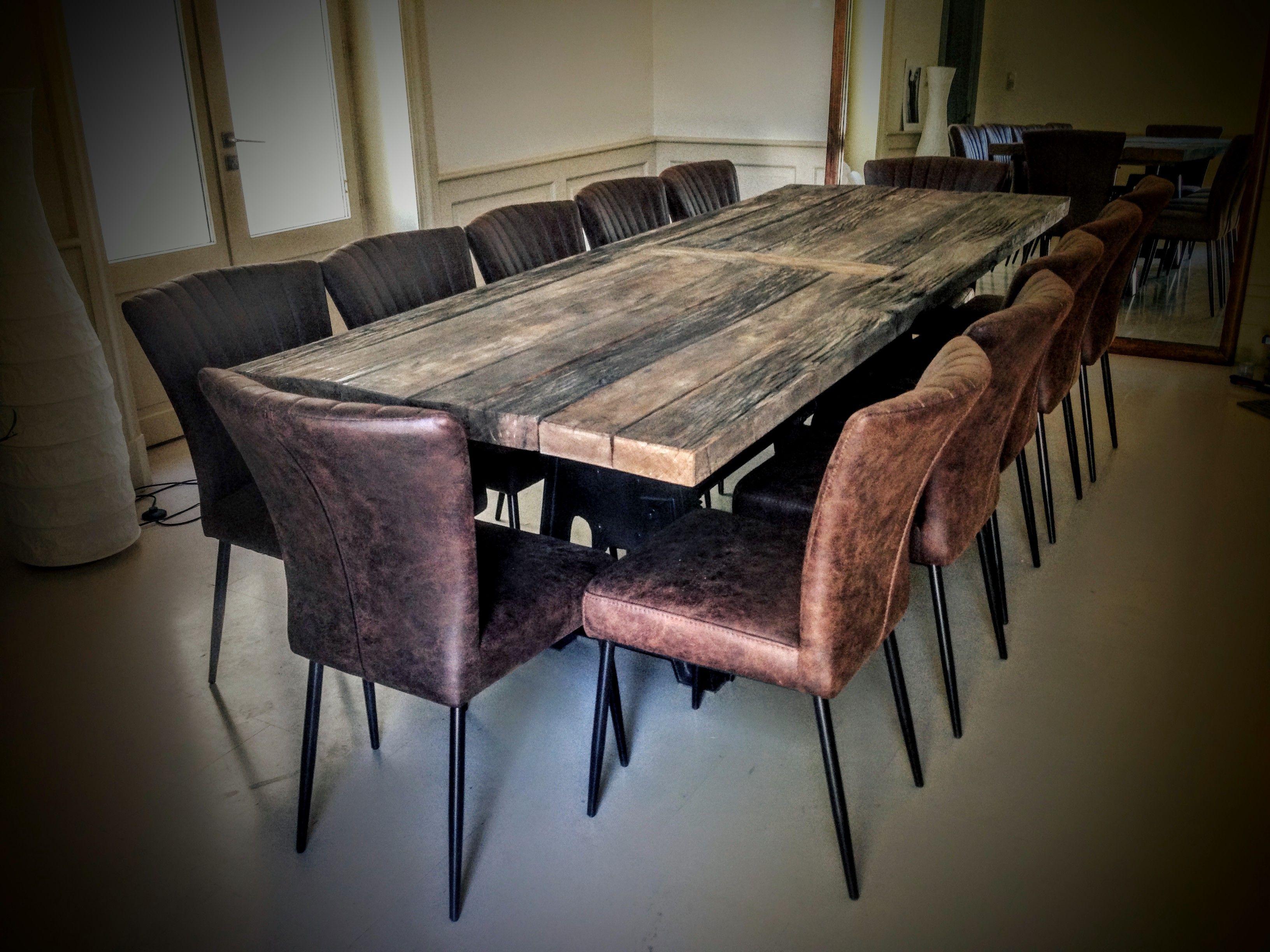 Tables et Chaises Vintage Style Industriel   Tables