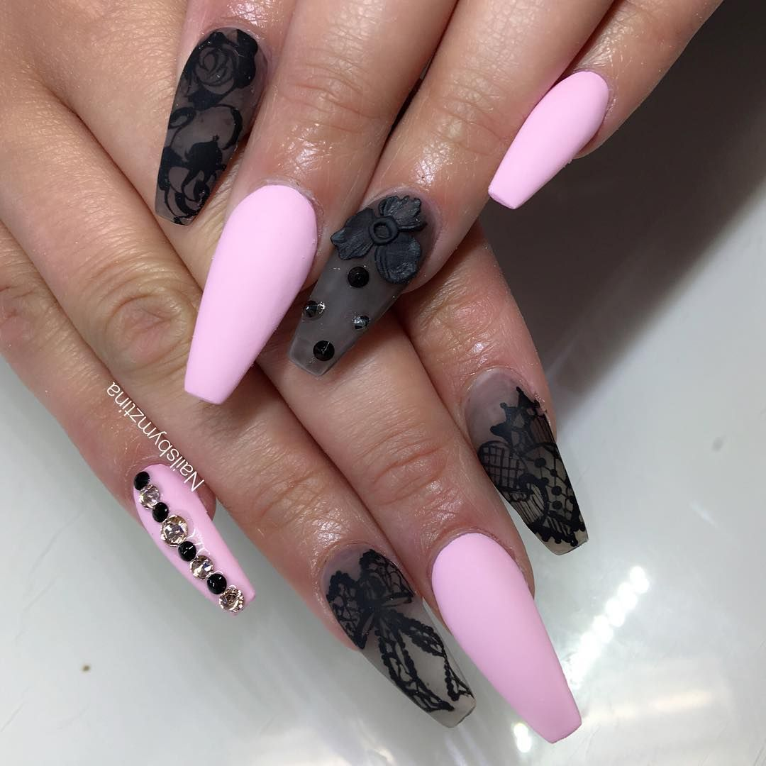 Matte Queen On Instagram Hand Painted By Yours Truly Pink Nails Matte Pink Nails Pink Black Nails