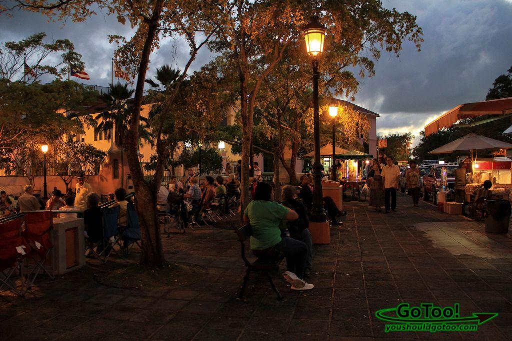 Paseo de la Princesa music singing dancing Old San Juan PR