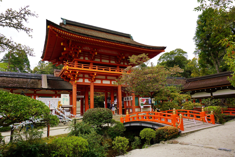 進入神社前的小橋
