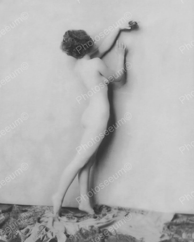 Norma Shearer Showgirl Vintage 8x10 Reprint Of Old Photo 1 Norma Shearer Showgirl Vintage 8x10 Reprint Of Old Photo 1 Alfred Cheney Johnston (April 8, 1885 - April 17, 1971) was a New York City-based