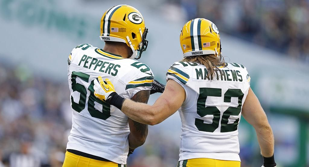 Julius Peppers Clay Matthews Are Becoming The 1 2 Punch The Packers Envisioned Http Pa Green Bay Packers Green Bay Packers Players Green Bay Packers Fans