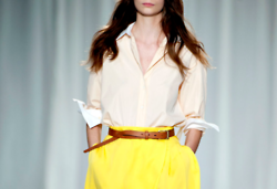love these colors and that belt!