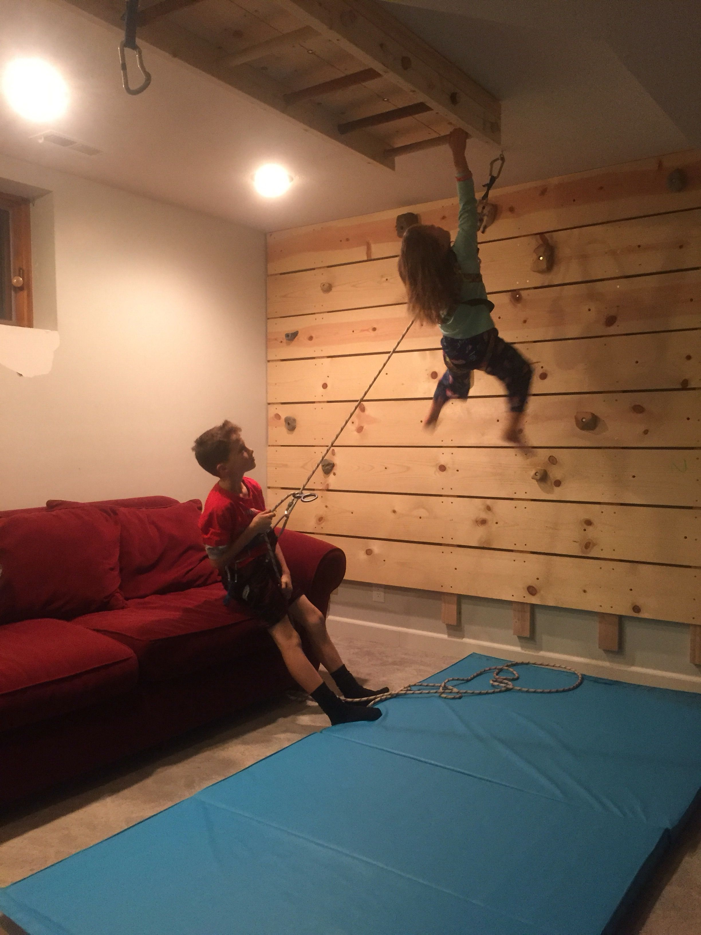 diy basement rock climbing wall on belay dad vs wild welcome home pinterest klettern. Black Bedroom Furniture Sets. Home Design Ideas