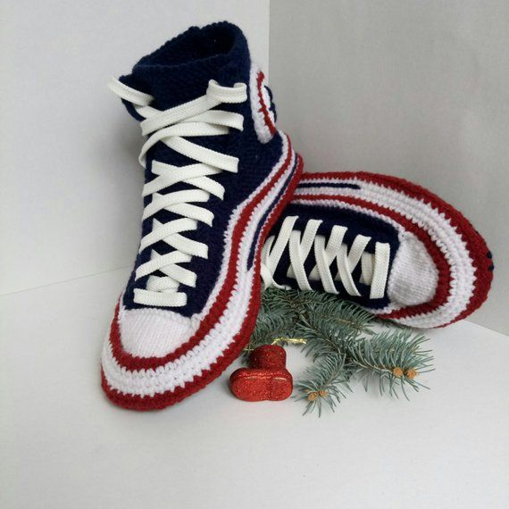 f2cf759eb580db Crochet shoes for me Knitted converse Crochet converse slippers man Socks  with sole House knitted sl