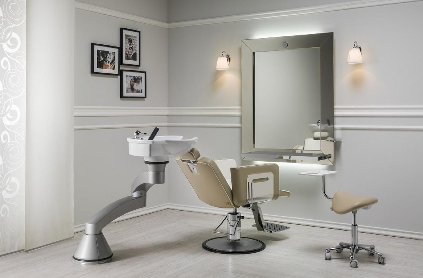 Naos design barbershop luxury elysium parrucchieri for Arredamento parrucchieri ikea