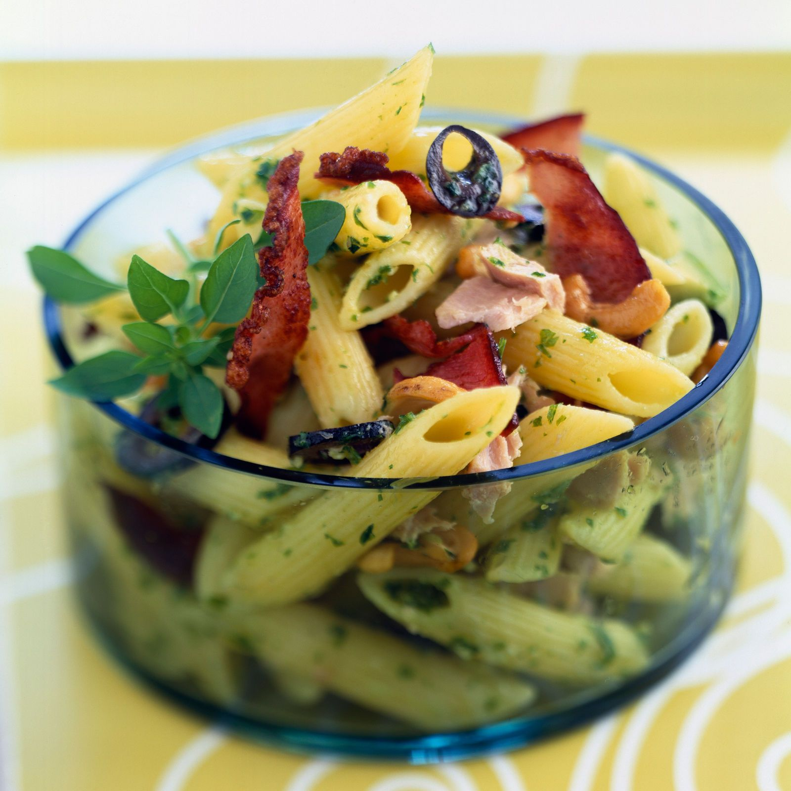 Salade de pâtes au pesto | Recette | Recette salade de pate, Pesto ... - Salade Pates Pesto