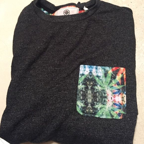 On the Byas crew neck sweater Soft on the Byas sweater. (Pattern pocket) On the Byas Sweaters Crew & Scoop Necks