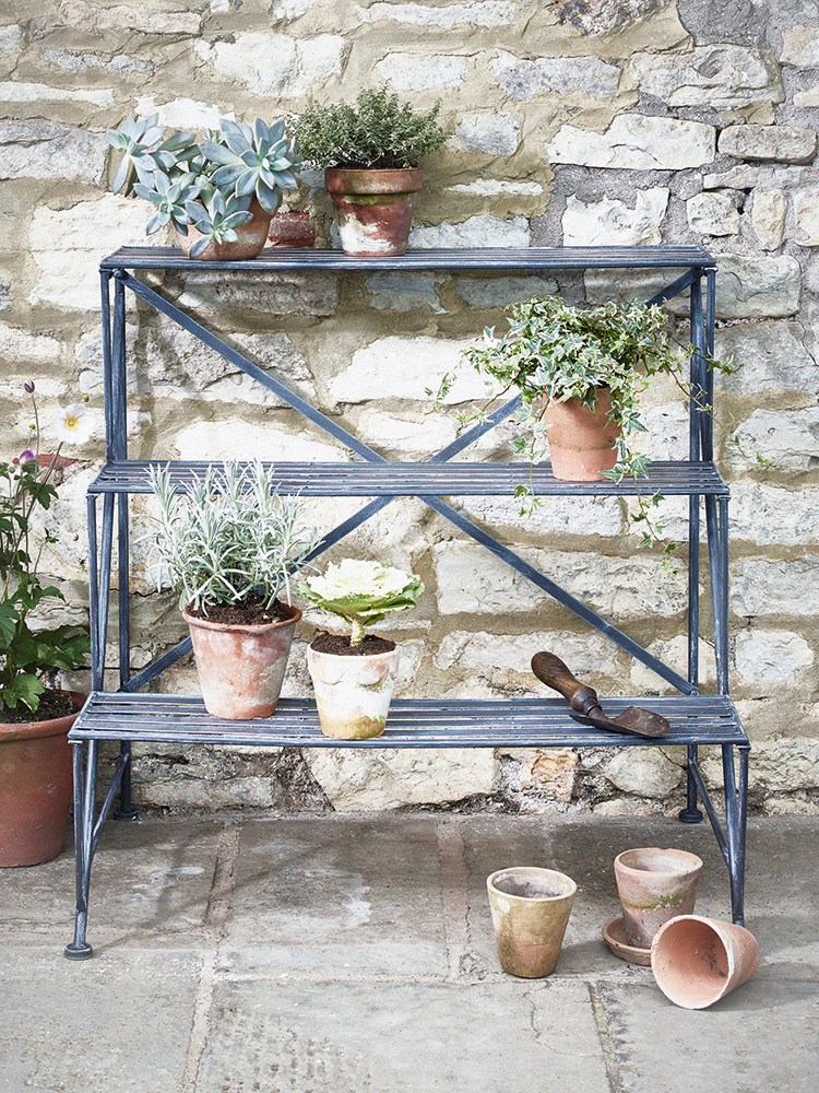 Crafted From Metal With A Powder Coated Whitewashed Finish Our Como Plant Stand Makes A Beaut Outdoor Metal Plant Stands Diy Plant Stand Plant Shelves Outdoor