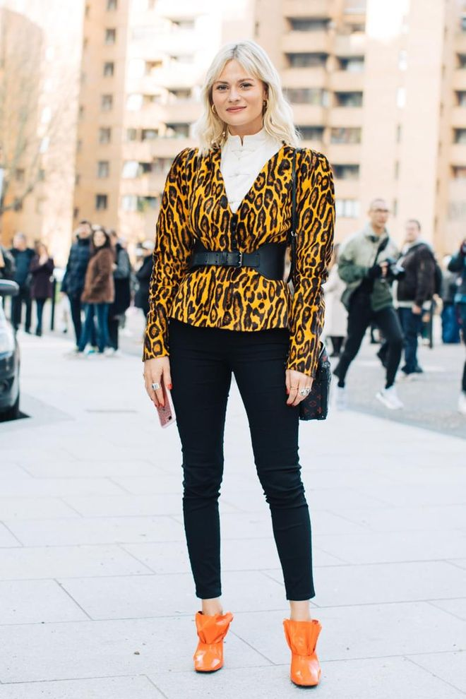 57c9c389eea41 Top 10 Fashion Trends to follow this Autumn - A fresh vibe of grown-up  dressing and female harmony is here this autumn. You will find the season s  favorit.