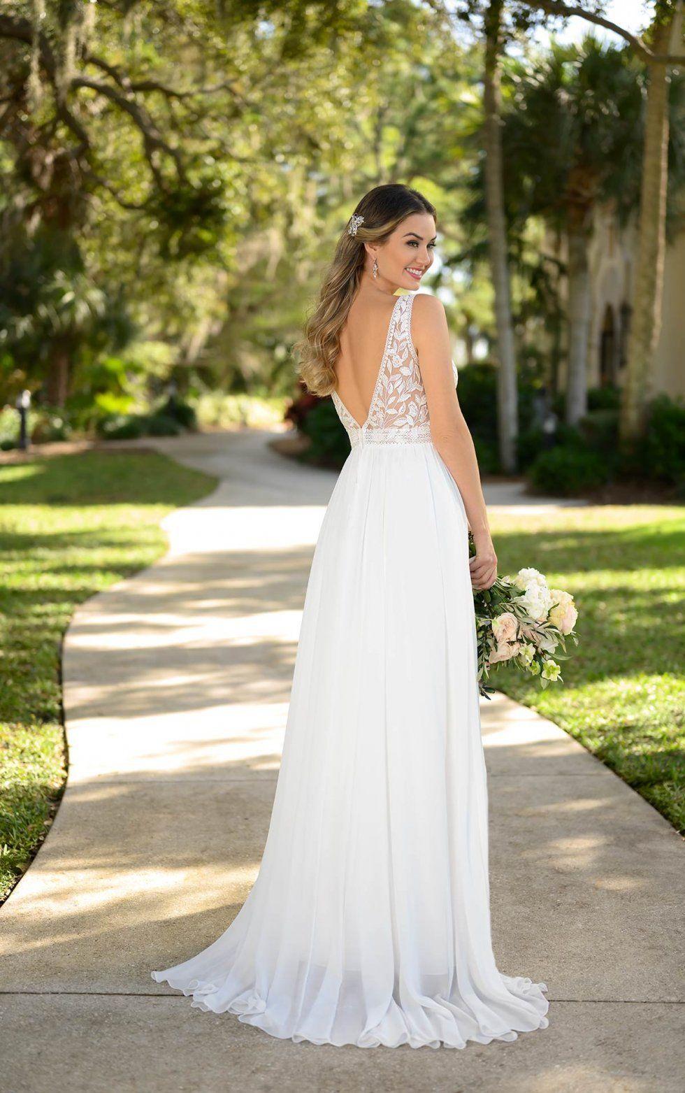Clean Boho Inspired Wedding Gown Stella York Wedding Dresses In 2021 York Wedding Dress Wedding Dresses Stella York Wedding Dress [ 1563 x 980 Pixel ]