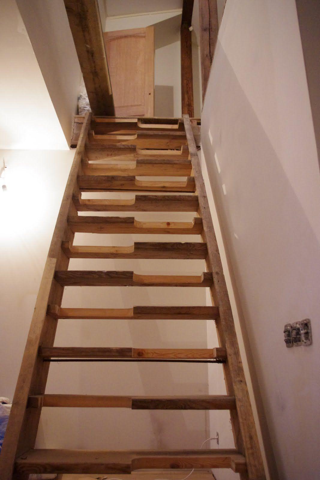 Alternating Tread Staircase Design   Tyres2c