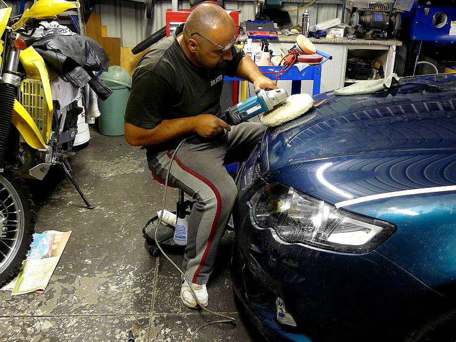 Buffing Out Sanding marks http//www.cardetailingsydney