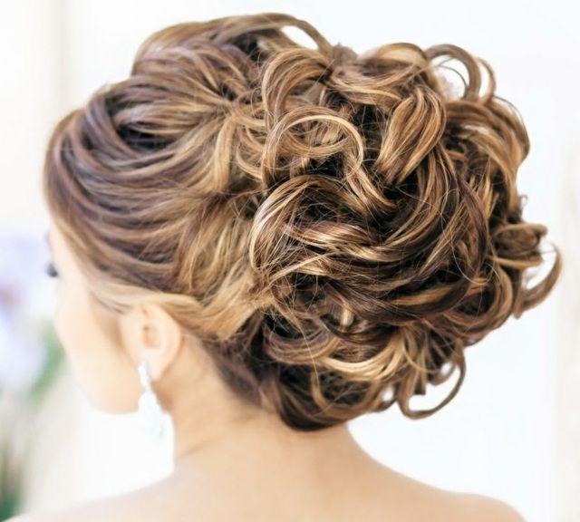 coiffure pour mariage cheveux longs id es pour votre. Black Bedroom Furniture Sets. Home Design Ideas