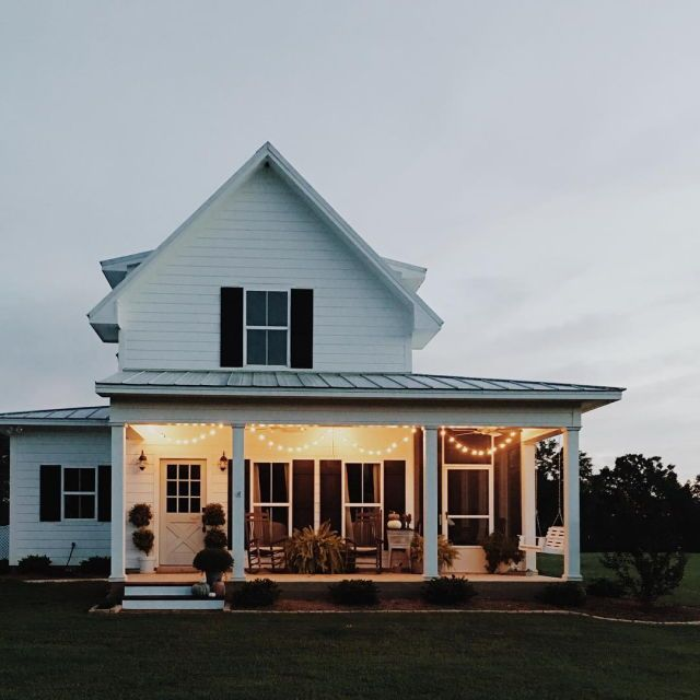 White Farm House Dream Come True Love The Porch