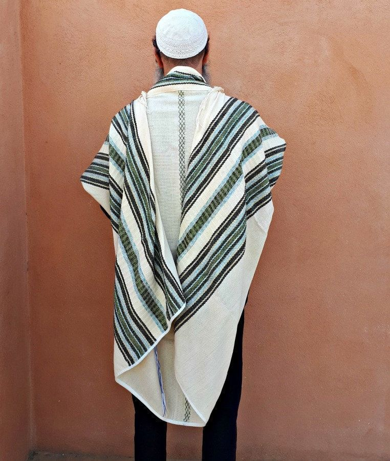 Jewish Prayer Shawl, Prayer Shawl, High Holidays, Jewish Wedding, Cotton Tallit, Tallit For Man, Tallis, White Prayer Shawl, Tallit Set #prayershawls Jewish Prayer Shawl, Prayer Shawl, High Holidays, Jewish Wedding, Cotton Tallit, Tallit For Man, Tallis, White Prayer Shawl, Tallit Set by TallisManJudaica on Etsy #prayershawls #talisman #tallit #jewishwedding #TallisManJudaica #prayershawls Jewish Prayer Shawl, Prayer Shawl, High Holidays, Jewish Wedding, Cotton Tallit, Tallit For Man, Tallis, Wh #prayershawls