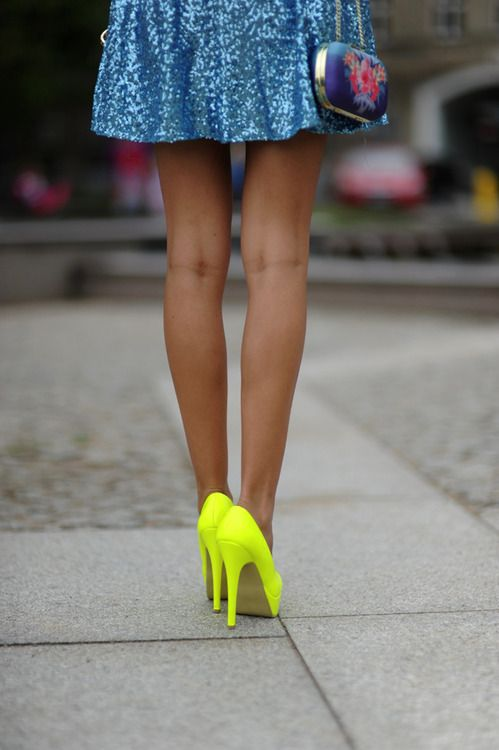 Neon Foot And Fashion