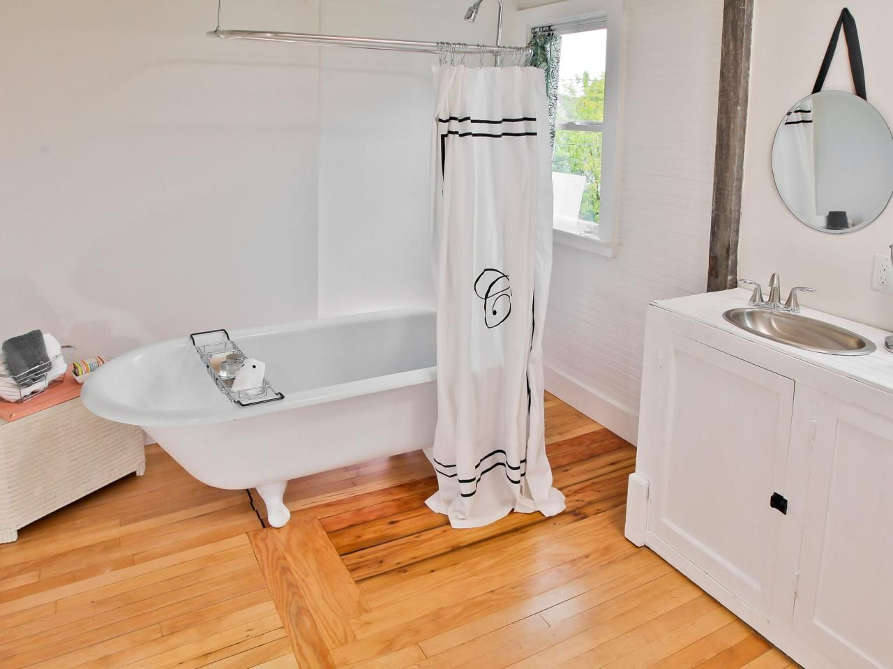 20 Small Bathroom Before and Afters | Bath remodel, Small bathroom ...