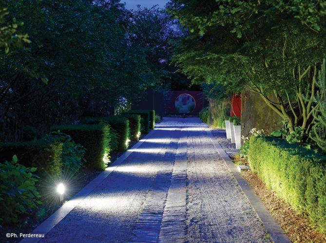 Decoration De Jardin Elle Decoration In 2020 Outdoor Lighting