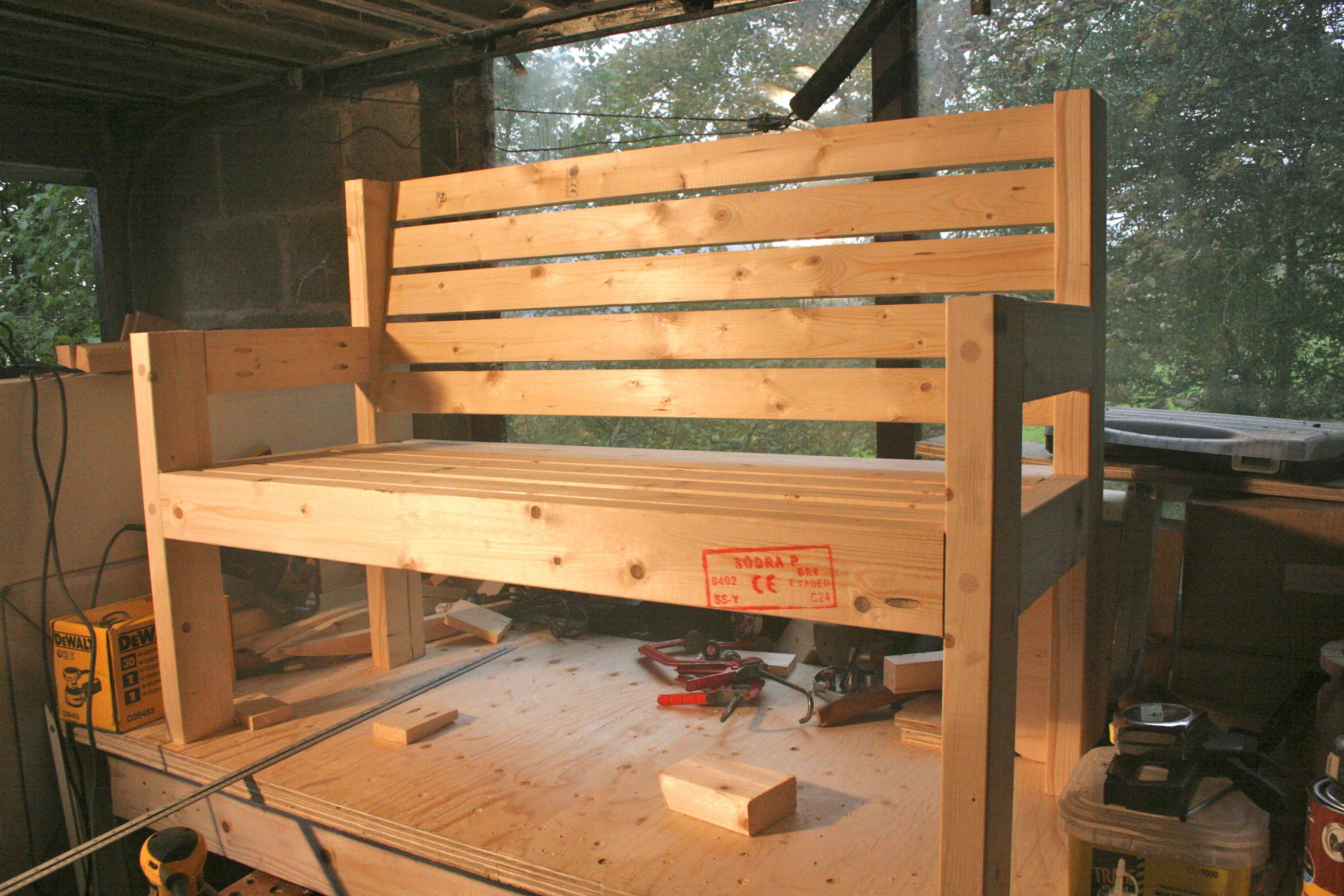 Simple Garden Bench Plans Diy Furniture Projects Garden
