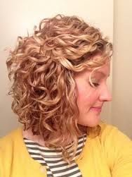 Natural Curly Hairstyles For White Women Google Search Hair Styles Short Curly Haircuts Curly Hair Styles