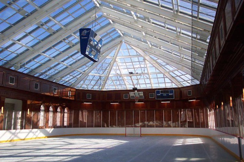 14 Homes With Private Ice Rinks Photos Backyard Rink Backyard Hockey Rink Backyard Ice Rink