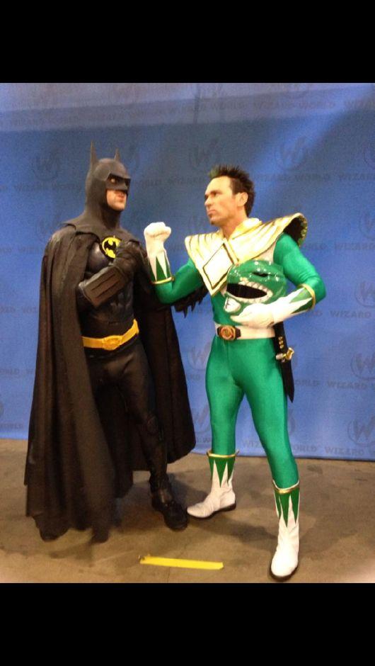 Batman vs Green Ranger aka Tommy Oliver...  Ultimate geekgasam