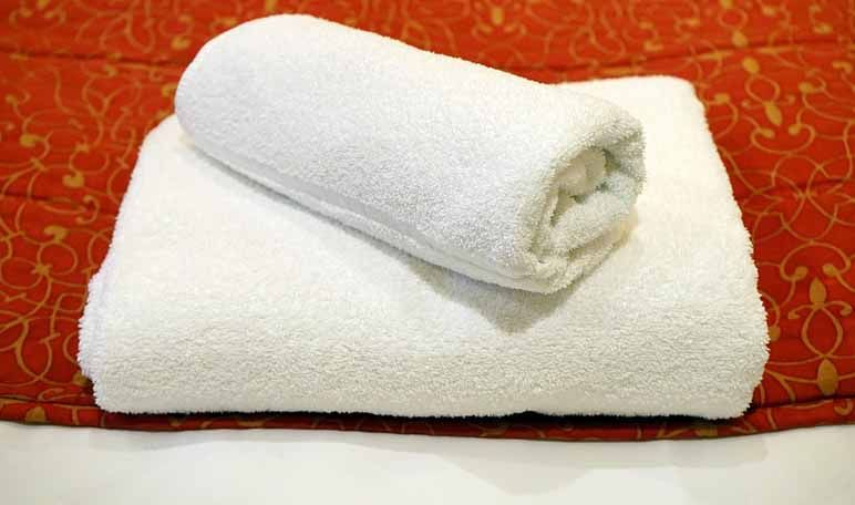 Toallas de baño suaves con amoniaco - Trucos de hogar caseros